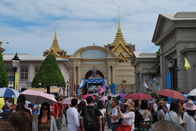 Photo bonus : les touristes chinois (et ombrelles) au Grand Palais