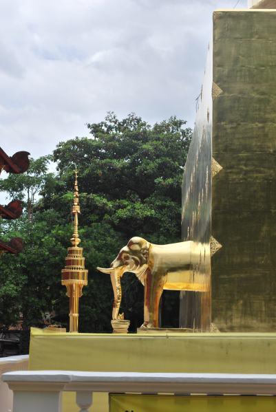 Détail du Wat Phra sing et ses magnifiques dorures !